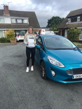 A big congratulations to Tyana Joynson, who has passed her driving test today at Newcastle Driving Test Centre, at his First attempt with just 2 driver faults.<br />